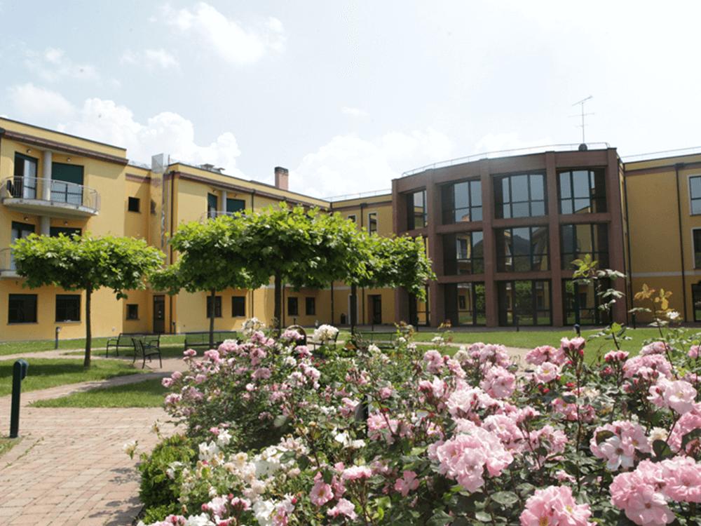 Casa di cura villa esperia salice terme pv hmo services for Piani di casa ranch personalizzati